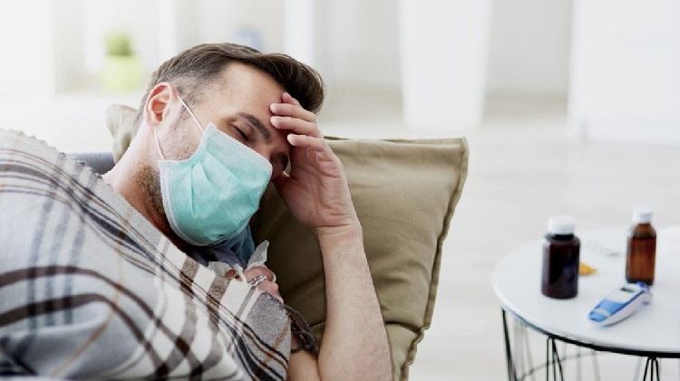Pakai masker saat sakit, Sumber : klikdokter.com