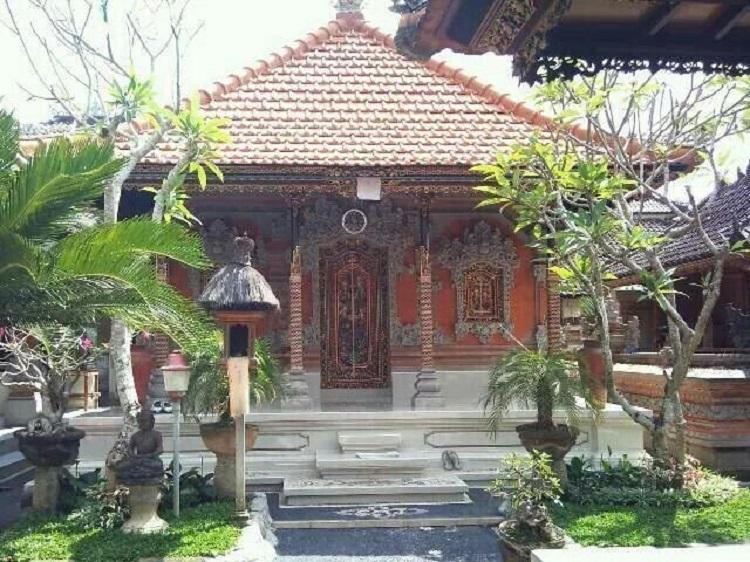 Bale Manten, Sumber : pariwisataindonesia.id