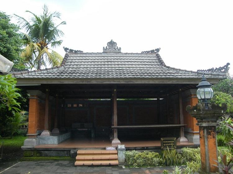 Bangunan Pewaregan, Sumber : perwakilan.baliprov.go.id
