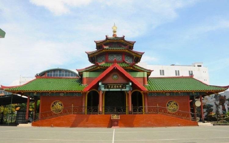 Masjid Cheng Ho Surabaya, Sumber : asalkaubahagia.wordpress.com