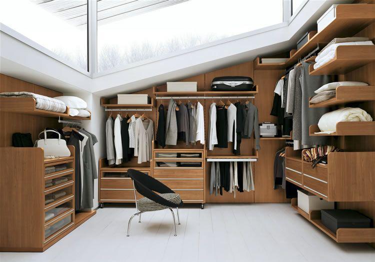Walk in closet di loteng, Sumber : recabezas.com